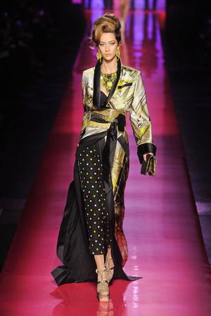 Показ Jean Paul Gaultier коллекции сезона Весна-лето 2012 года Haute couture - www.elle.ru - Подиум - фото 332628