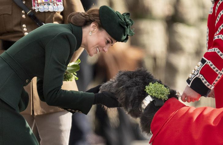 На зеленый: Кейт Миддлтон на параде в честь дня святого Патрика (фото 3)