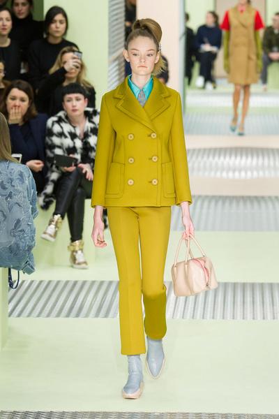 Показ Prada на Неделе моды в Милане | галерея [1] фото [38]