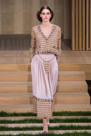 Показы мод Chanel Весна-лето  2016 | Подиум на ELLE - Подиум - фото 4473