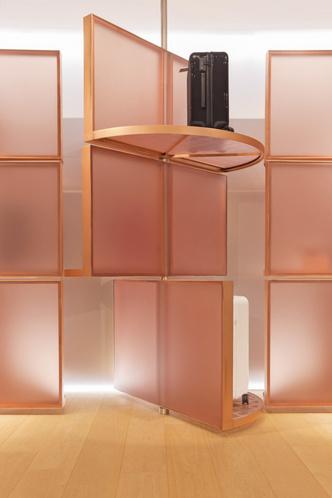 Розовый бутик Rimowa в Bon Marché по дизайну Snøhetta (фото 5.1)