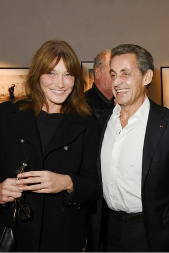 Редкий выход Карлы Бруни и Николя Саркози фото [2]