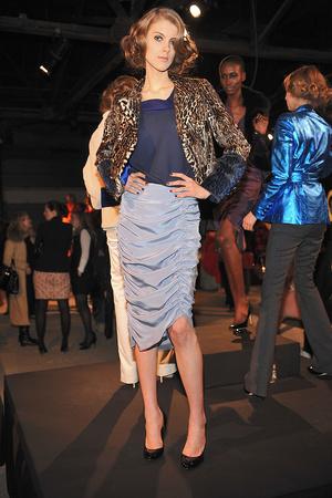 Показы мод Chriz Benz Осень-зима 2009-2010 | Подиум на ELLE - Подиум - фото 3238
