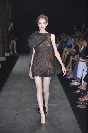 Показ Valentino коллекции сезона Осень-зима 2009-2010 года haute couture - www.elle.ru - Подиум - фото 88420
