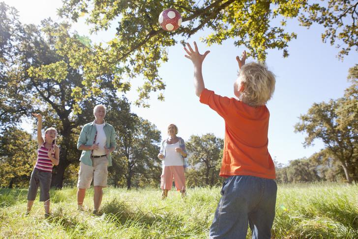 Лучше гаджетов: как организовать игровую зону на даче для детей (фото 18)