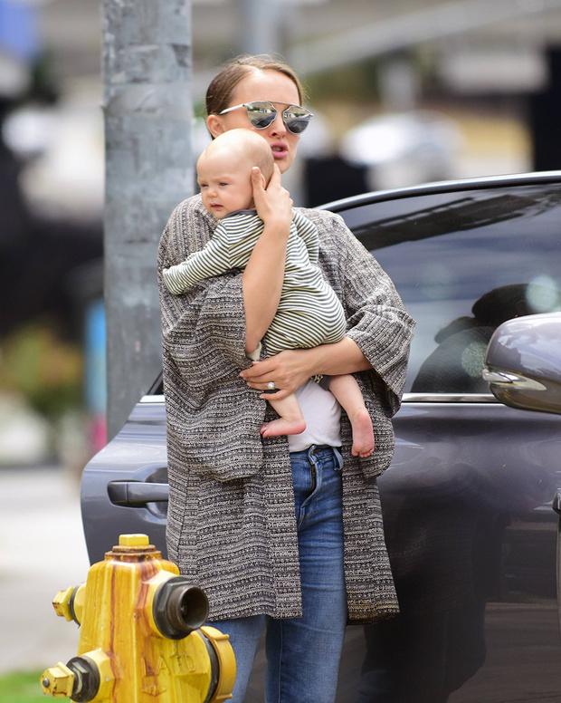 Натали Портман с дочерью Амалией