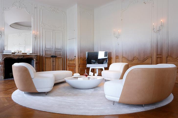 Буазери в парижских апартаментах 1931 года обрели новое звучание благодаря градиентной росписи — проект дизайнера Рами Фишлера.