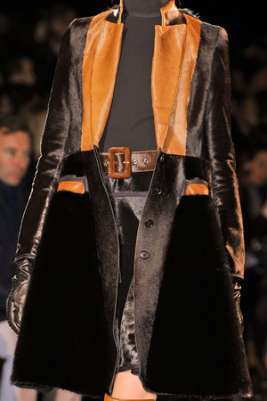 Показ Givenchy коллекции сезона Осень-зима 2012-2013 года Prêt-à-porter - www.elle.ru - Подиум - фото 383757