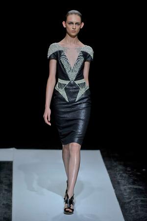 Показ Maxime Simoens коллекции сезона Осень-зима 2011-2012 года haute couture - www.elle.ru - Подиум - фото 278935
