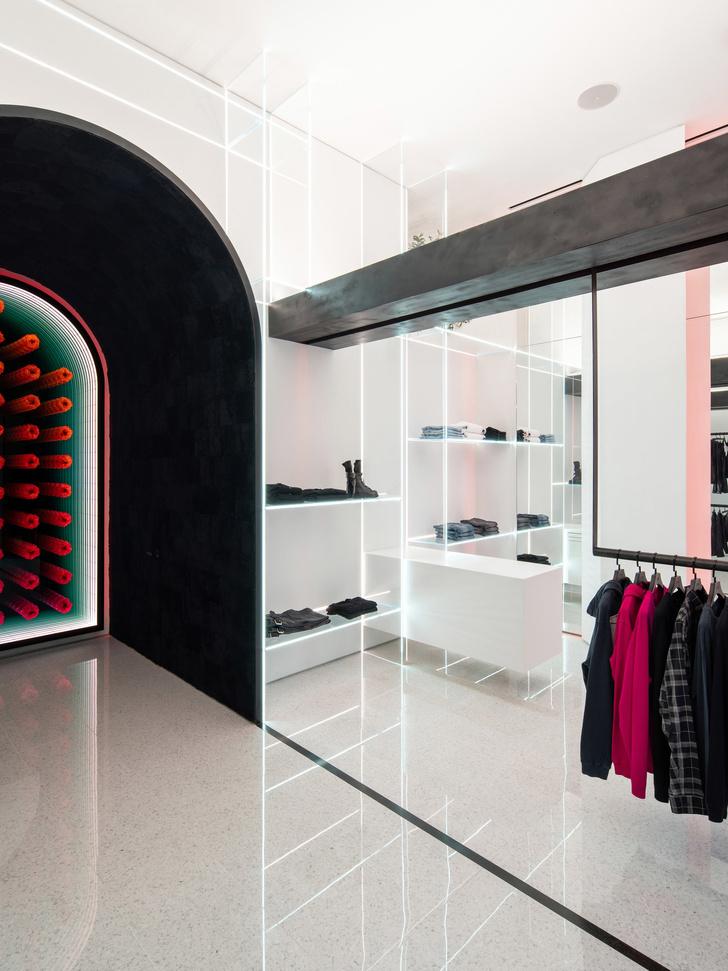 Бутик модного бренда RtA в Лас-Вегасе (фото 9)