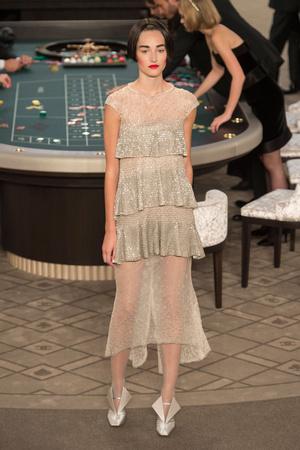 Показ Chanel коллекции сезона Осень-зима 2015-2016 года Haute couture - www.elle.ru - Подиум - фото 597082