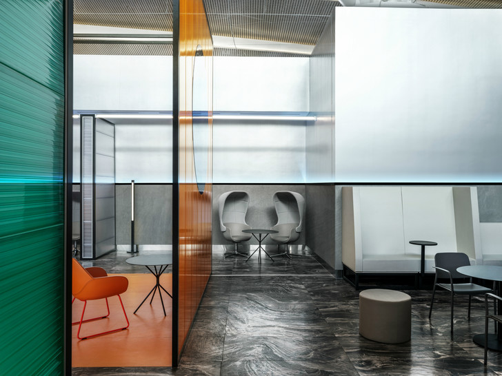 Бизнес-зал аэропорта «Платов» по проекту VOX Architects (фото 9)
