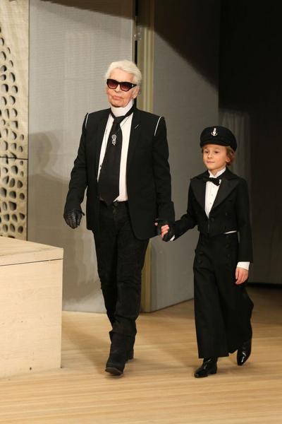 В Гамбурге состоялся показ коллекции Metiers d'Art Chanel (галерея 4, фото 29)