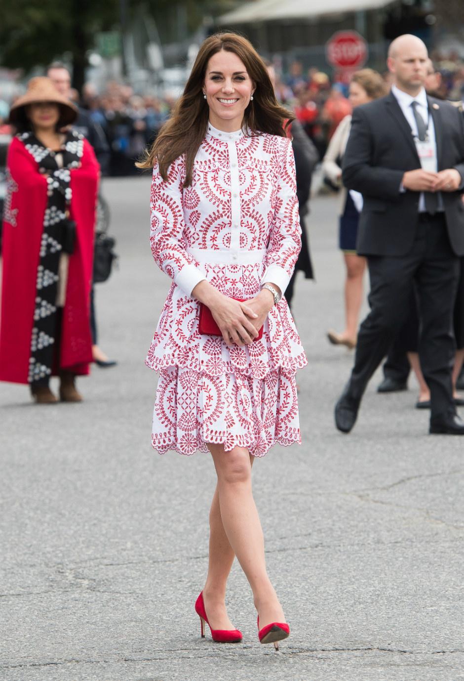 10 раз, когда Кейт Миддлтон пренебрегла королевским дресс-кодом фото [11]