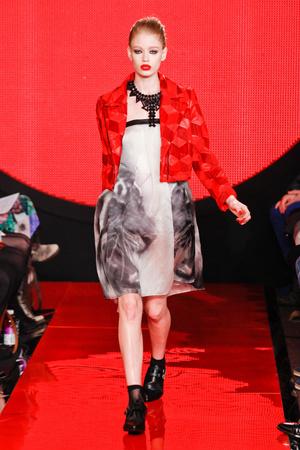 Показ Holly Fulton коллекции сезона Осень-зима 2013-2014 года prêt-à-porter - www.elle.ru - Подиум - фото 501605