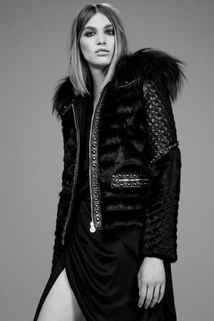 Показ Versace коллекции сезона Pre-fall   2014 года Prêt-à-porter - www.elle.ru - Подиум - фото 573394