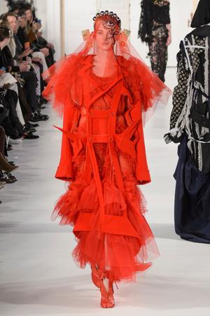 Показ Maison Margiela коллекции сезона Весна-лето  2017 года Haute couture - www.elle.ru - Подиум - фото 616631