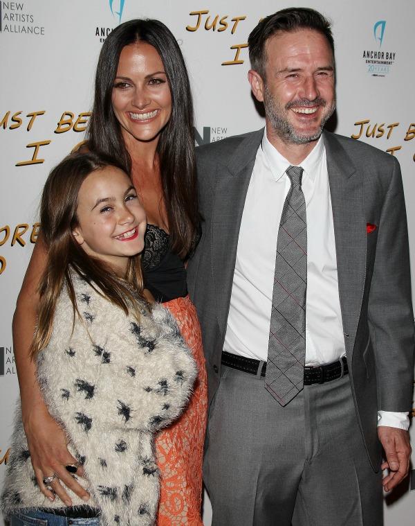 Дэвид Аркетт с новой супругой и дочкой Коко