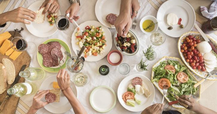 Не в себя: как избежать переедания за праздничным столом (фото 2)