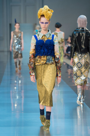 Показ Maison Martin Margiela коллекции сезона Осень-зима 2015-2016 года haute couture - www.elle.ru - Подиум - фото 597266