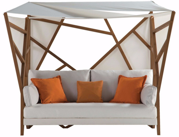 Сон в летнюю ночь. Кровати и лежанки с навесами (фото 7)