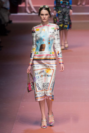 Показ Dolce & Gabbana коллекции сезона Осень-зима 2015-2016 года Prêt-à-porter - www.elle.ru - Подиум - фото 594879