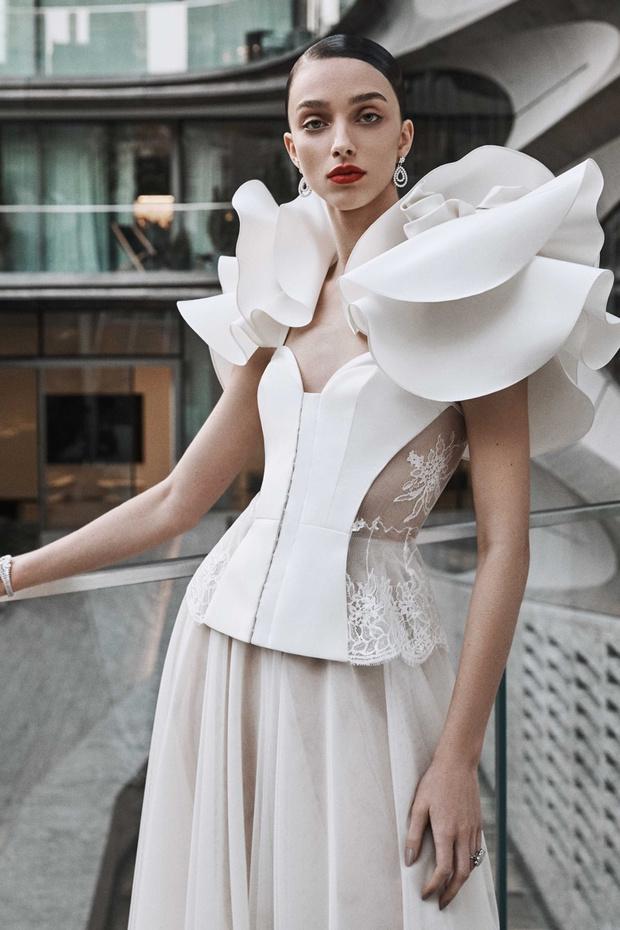 16 платьев из новой свадебной коллекции  Naeem Khan (фото 12)
