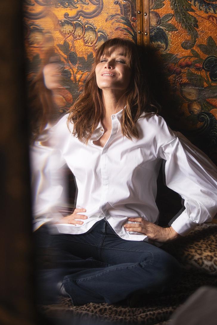 Карла Бруни: «Я утонченная парижанка днем и панк-принцесса ночью!» (фото 7)
