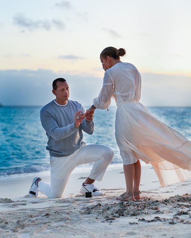 Дженнифер Лопес поделилась трогательными фото с помолвки (фото 2)