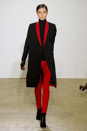 Показ Costume National коллекции сезона Осень-зима 2011-2012 года prêt-à-porter - www.elle.ru - Подиум - фото 253789