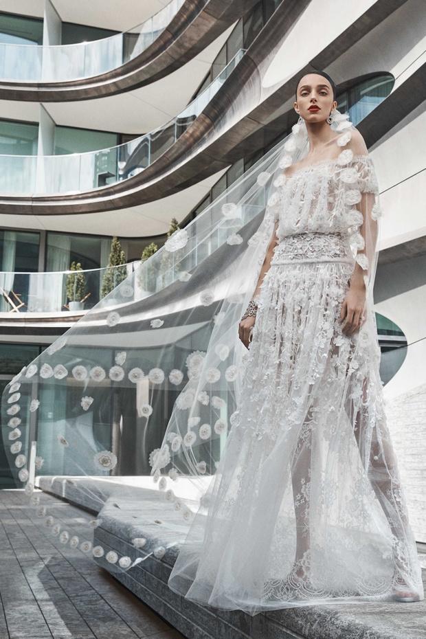 16 платьев из новой свадебной коллекции  Naeem Khan (фото 1)