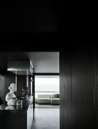 Лофт с видом на море: новая яхта по дизайну Пьеро Лиссони (фото 2.1)