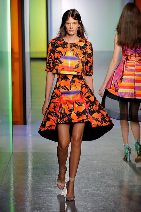 тренд показа Peter Pilotto на Неделе моды в Лондоне