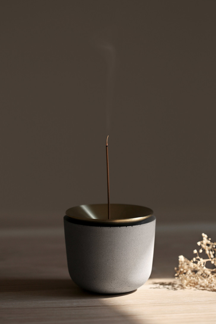 Подставка для ароматических палочек в виде вулкана (фото 3)