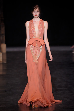 Показ Basil Soda коллекции сезона Осень-зима 2012-2013 года haute couture - www.elle.ru - Подиум - фото 404051