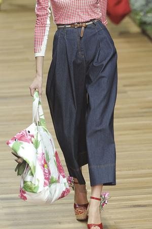 Показы мод D&G Весна-лето 2011 | Подиум на ELLE - Подиум - фото 2559