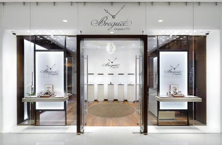 В галереях «Времена года» открыл двери новый бутик Breguet