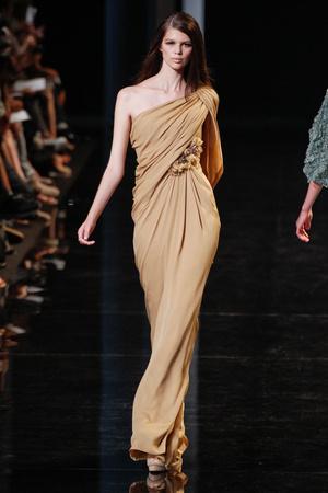 Показ Elie Saab коллекции сезона Осень-зима 2010-2011 года Haute couture - www.elle.ru - Подиум - фото 168170