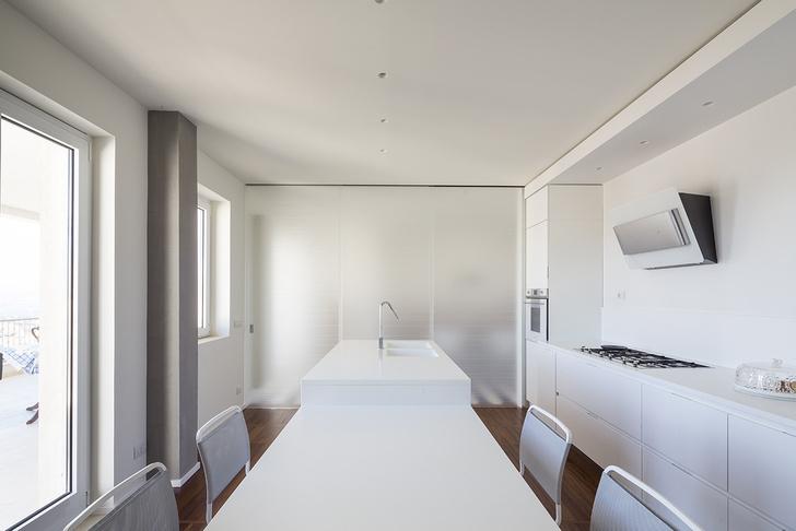 Белая квартира с винтажной плиткой на Сицилии (фото 11)