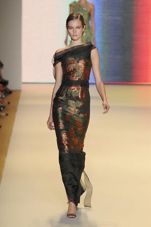 Показы мод Carolina Herrera Весна-лето 2011 | Подиум на ELLE - Подиум - фото 2659