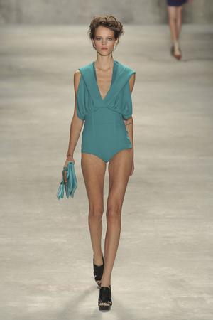 Показы мод Derek Lam Весна-лето 2010 | Подиум на ELLE - Подиум - фото 3095