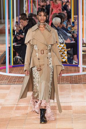 Тренд сезона: модные версии классического тренча (фото 7)