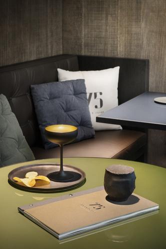 Винный бар-бистро 75 Café & Lounge — новый проект Пьеро Лиссони (фото 8.1)