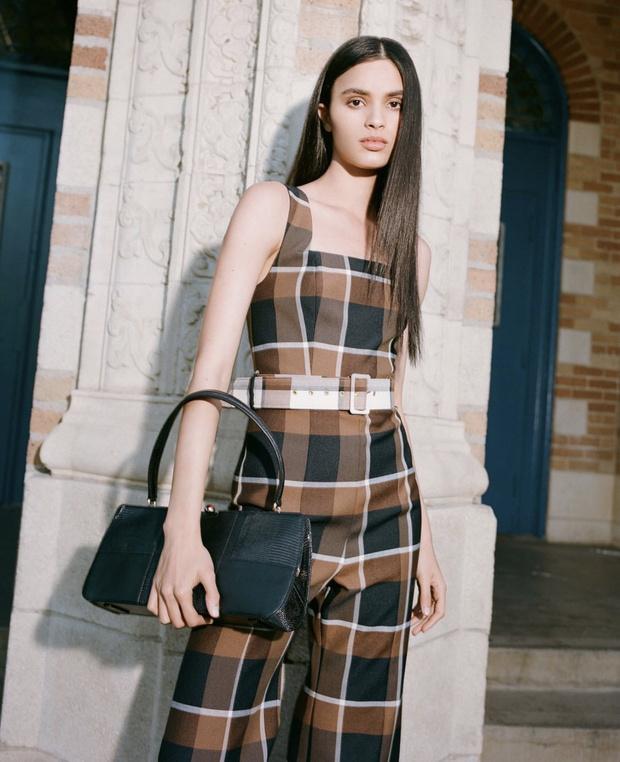 Комбинезон — это всегда отличная идея: Марго Робби подтверждает модную истину (фото 4)