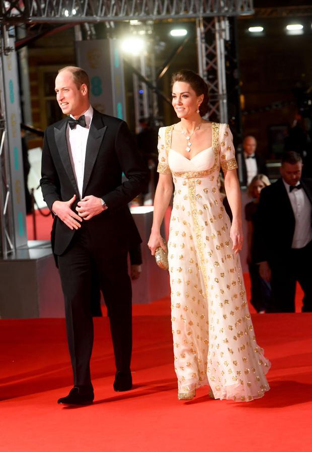 Платье для принцессы: Кейт Миддлтон в Alexander McQueen (фото 4)