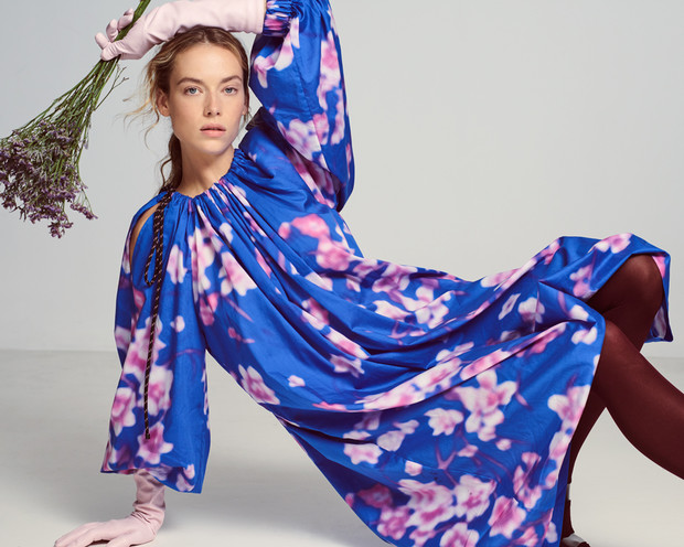 Цветочная поляна: нежные девичьи образы, сотканные из цветочного принта и хайку японских поэтесс (фото 10)
