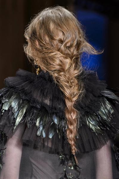 Бьюти-тренды осень-зима 2017/18: волосы | галерея [4] фото [2]