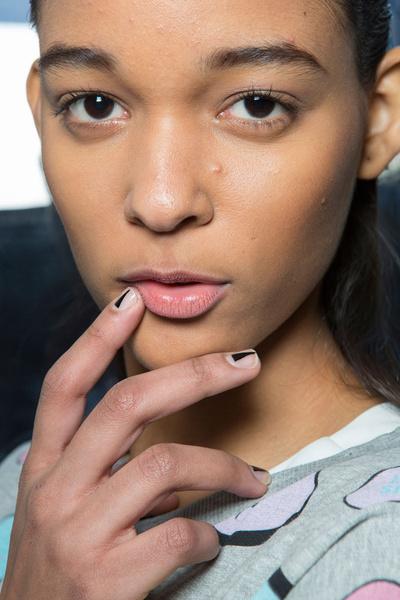 Бьюти-тренды всех Недель моды fw 2015 | галерея [10] фото [3] Alexis Mabille