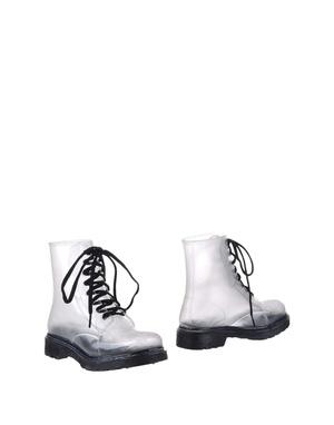Transparent spring: 6 прозрачных пар обуви (фото 3.1)