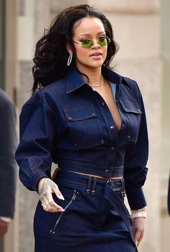 Образ дня: Рианна в джинсовом total look Tom Ford фото [4]